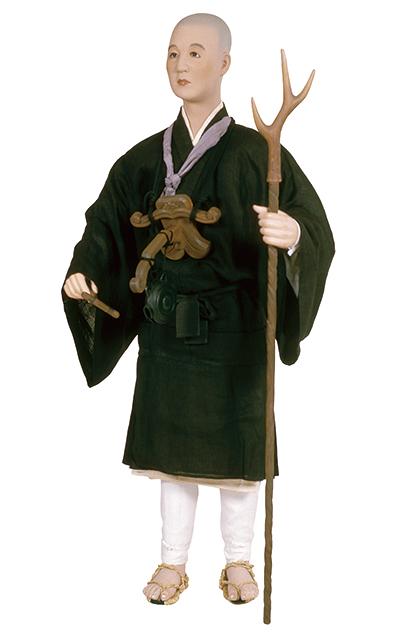 裳付姿の遊行の僧   日本服飾史